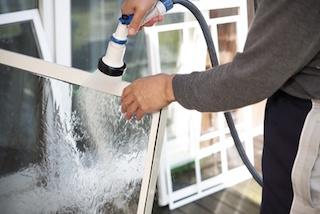 weitere-lesitungen oeko reinigung fliegen netz mit wasser schlauch in fuerth www.fensterputzerfürth.de reinigung von fliegen netz biologisch